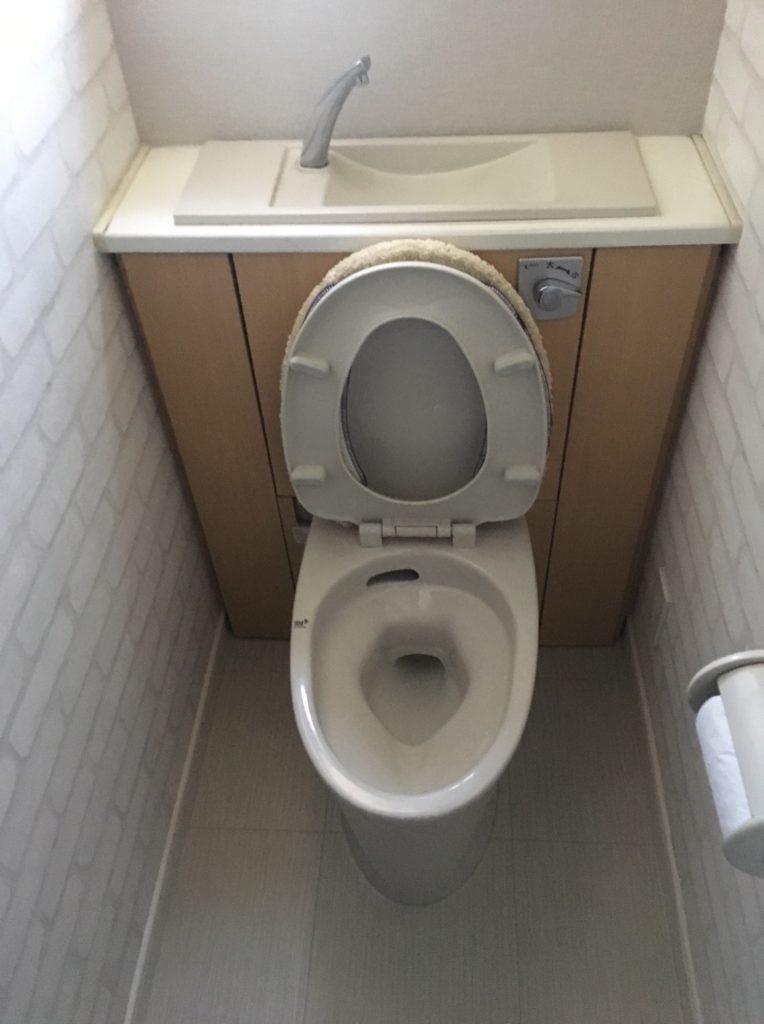 キャビネット付きトイレ 画像