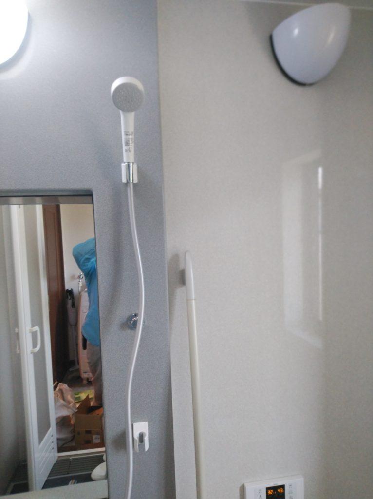 桑名市 シャワーバス水栓交換工事 画像2