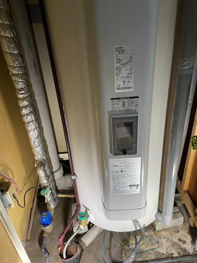 一宮市 電気温水器交換工事 画像