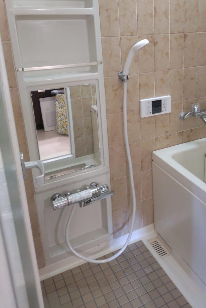 名古屋市 シャワーバス水栓交換工事 画像2