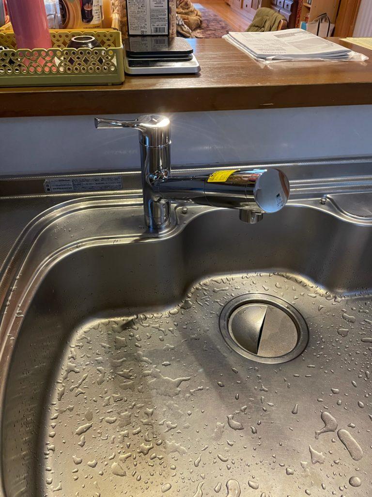 愛西市 キッチン水栓交換工事 画像